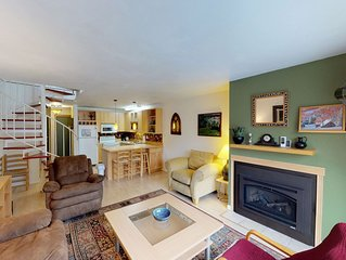 Renovated, dog-friendly condo w/ mountain views - walk to lift