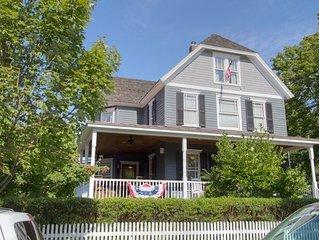 The Maggie McKean House. Historic Washington Street, walkign distance to Washing