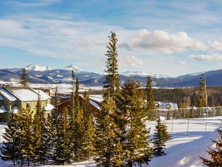 Family-friendly condo close to skiing w/shared pool, hot tub, sauna, & game room
