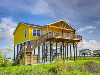 Splash Beachfront Home  3 BR, 3 BTH ,Gourmet kitchen, Amazing Deck