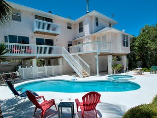 Reduced Rates 25% OFF! Heated Pool & Boat Dock - Short Walk to the City Pier!