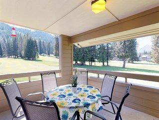 Roomy, beautifully decorated condo near skiing & lake Wenatchee