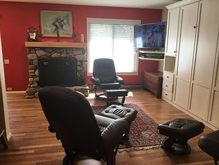 #115-Hot Tub, Pool, Spa, Common Game Room, 10 minute Walk to Town & Lifts
