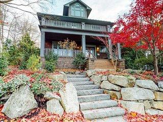 Elegant & spacious home with convenient location near Volunteer Park!