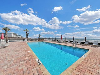 Beachfront condo w/ shared pool, views - beach life on a budget