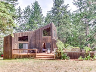 Forest view home w/ private hot tub, deck & shared pools/saunas - 2 dogs welcome