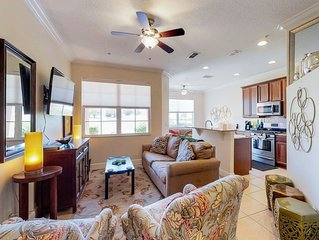 NEW LISTING! Bright, colorful townhome w/ shared pool & hot tub - dogs welcome!
