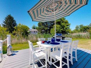 Home w/ yard & sun porch - steps to Gooch's Beach & kayak launch!