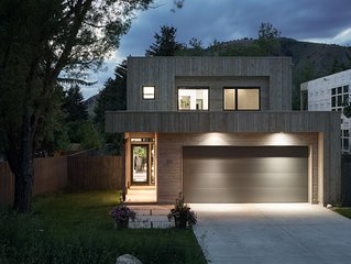 Mountain Modern! Contemporary Design near Jackson Hole's Famous Town Square!