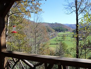 St. John's Ridge - Heart of Valle Crucis - Hot Tub - Firepit - River and Mountai