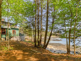 Rustic bayfront cottage with fantastic views - just minutes to downtown!