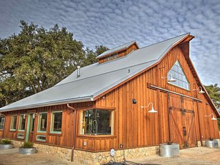 Flying Spur Ranch - Modern Rustic Barn House - BIG views OPEN space