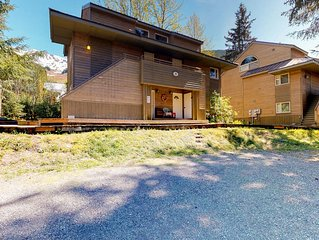 Fully-equipped condo features great location near skiing and more
