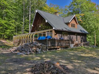Spacious ski lodge w/ cathedral ceilings & incredible game room w/mountain views