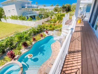 Reduced Rates 25% OFF! 3 Minute Walk to Gulf Beaches!