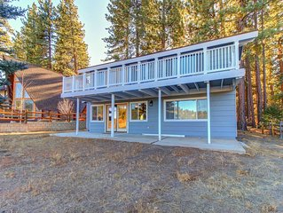 Family-size cabin near ski slopes - great golf course views from the large deck!