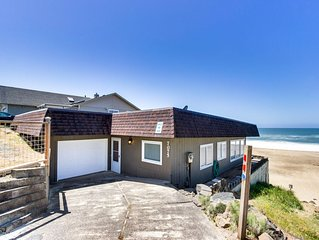 Modern oceanfront house w/ ocean views - walk to beach!