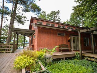 Sunset Lodge - Custom Post & Beam Cabin Near Watkins Glen!