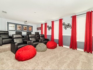 Story Lake View 8 BR Villa With Games Room and Theater