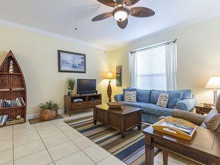 Cozy Coastal Condo, 1/2 Block to Beach & Pool! Perfect for Couple or Small Famil