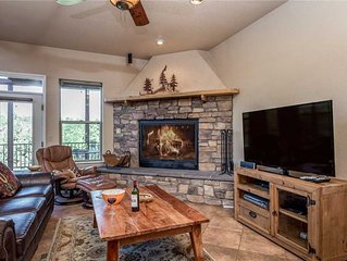 Adobe Mountain Views, 4 Bedrooms, Sleeps 10, Jetted Tub, Hot Tub, Fireplace
