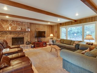 Comfortable cottage with golf course, mountain views