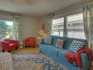 Renovated condo in historical bldg near Seattle-Bremerton ferry!