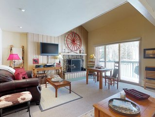 Spacious with a shared hot tub - easy access to slopes!
