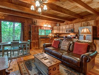 Rustic tree-lined retreat w/ privacy - close to hiking & fishing