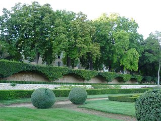 Magnifique bastide provençale et son parc de 7 hectares avec piscine.
