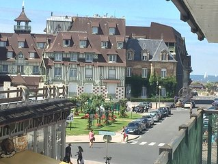 Tres bel appartement renove, 2 chambres, parking. Expo sud sud/ouest. Terrasses