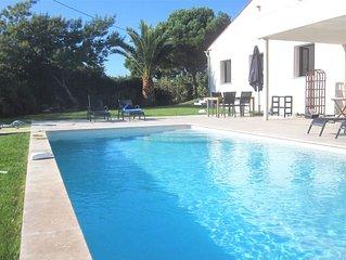Grande villa moderne tout confort, climatisée avec piscine ( de Avril à octobre)