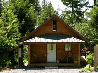 Arcata---Cozy, Newer Cabin in the Redwoods