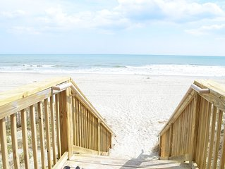BEACHFRONT, INDOOR & Outdoor Pool, Hot Tub, Lazy River, ASK ABOUT SPECIALS!!