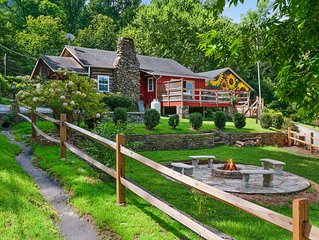 """5 Bedroom Authentic """"Turn of the Century"""" Log Cabin Close to Town, Wfi, Pets OK"""