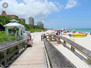 Dream Condo in Naples 3 minutes to Vanderbilt Beach - Golf Course & Water View