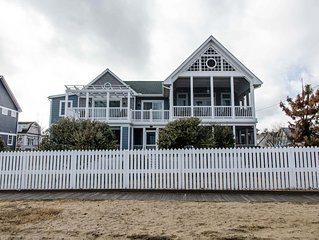 Ocean front Cottage Fri-Fri Summer, 2 day min off season, 4 bedroom + den
