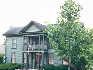 Historic House blocks from shops 4BR & 5 Bath.