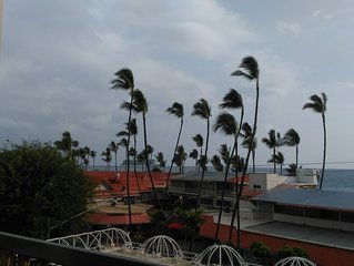 Oceanfront -Waterview 1 BedroomCondo Heart of Town at Kona Plaza walk to Ironman