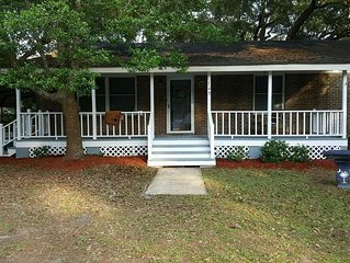 Enjoy Charlestons History & Carolina Sun -  3BR 2 BATH Old Mt. Pleasant