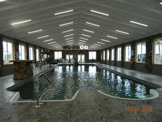 DaZzLing View! Indoor Heated Pool, Hot tub, Fireplace, Firepit! Chatt TN 21 Mile