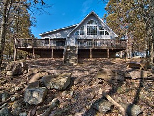 Tastefully Decorated Family Friendly Mountain Retreat Wooded Views and Gameroom