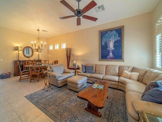 Oakwood Golf and all Amenities, fresh, new decor' in this tasteful newer Villa