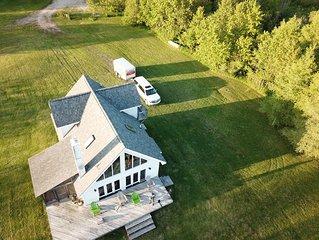 Beautiful Cottage on St. Martins Bay, Lake Huron, with Pontoon, Kayaks & Canoe!
