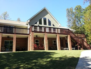 5/4 Private Lake House in Gated Community