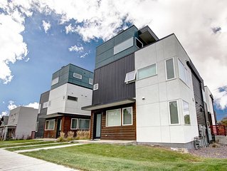 Dream Pad: 4-Story-3BR Townhouse-heart of RiNo - Sleeps 10!