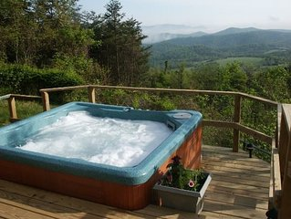 Spectacular Views *Swimming Pool* Hot Tub, *Real Log Fires*, Mountain Getaway