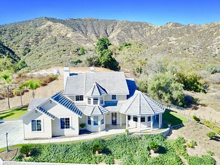 ~Lofty Manor~ Gorgeous Home, Endless Views! Minutes from Oak Glen CA
