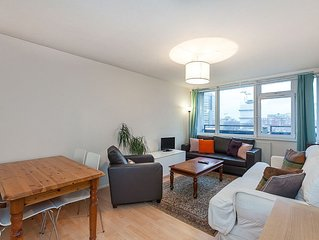 Shoreditch- Central London  2 double bed  for 4/5 to sleep .