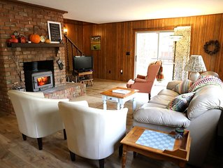 Beautifully Updated Spacious Cabin close to Everything.